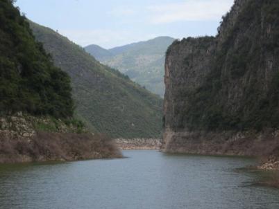 China_A River Runs 30