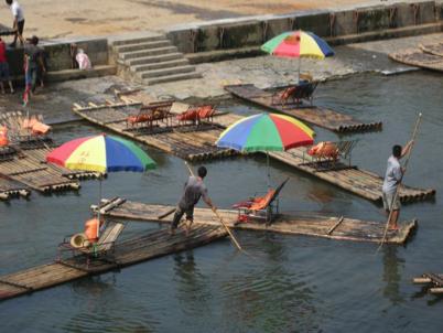 China_A River Runs 80